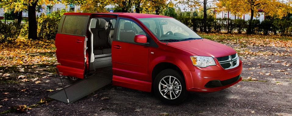 Dodge Grand Caravan VMI Northstar E Manual Infloor Ramp Wheelchair Van Conversion 1