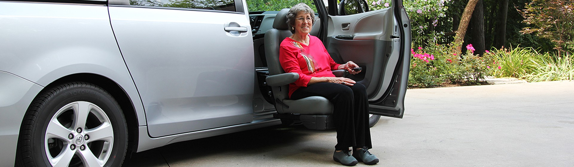 Toyota Sienna Auto Access Seat - Wheelchair Vans Inc