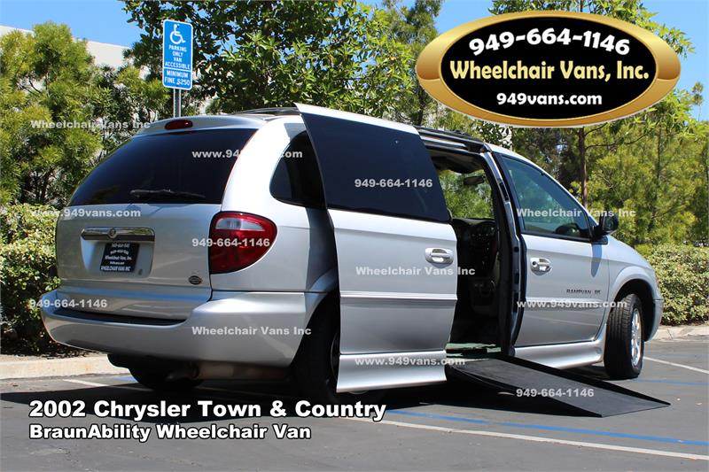 21abfc33ad1e8f For sale 2002 Chrysler Town and Country BraunAbility Wheelchair Van